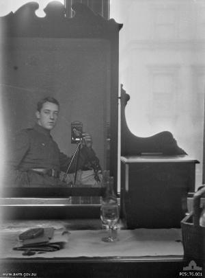 Thomas Baker Selfie