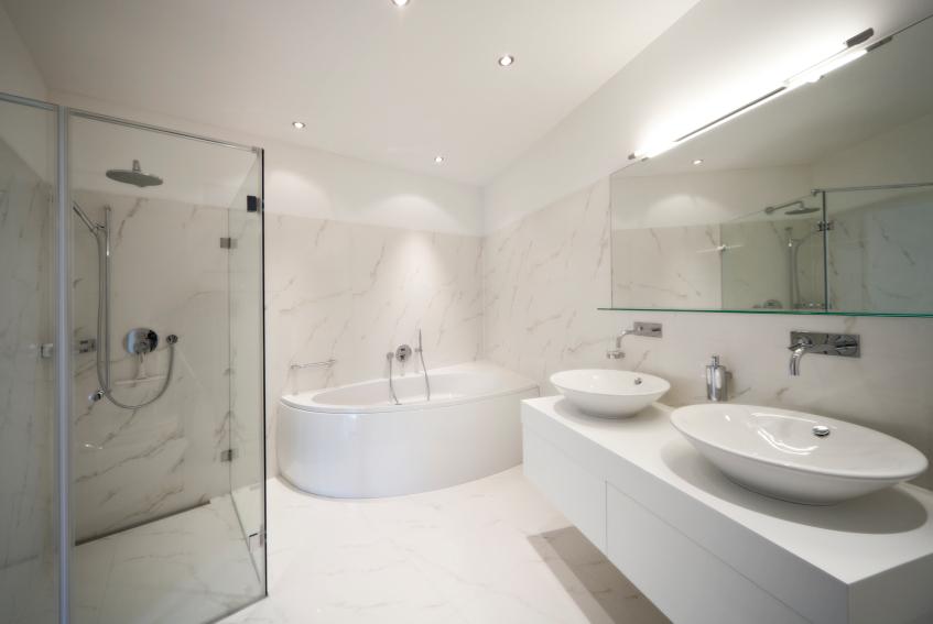 Schön Luxus Bad Mit Hellbeiger Einrichtung