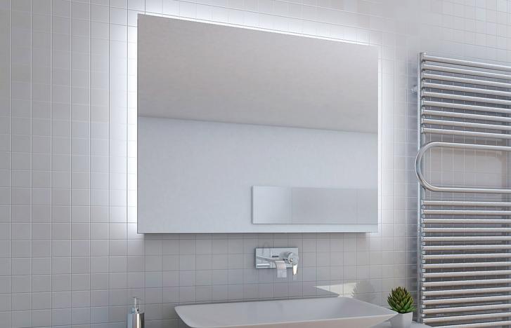 Badspiegel mit dekorativer Hintergrundbeleuchtung
